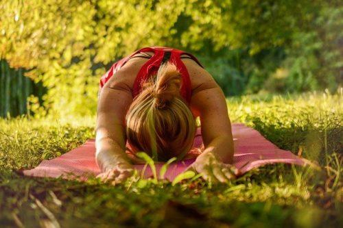 Pratiquer le  yoga pour un bon système immunitaire- Je Suis ce que Je Suis-libre